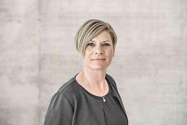 Porträtbild Sabina Cavegn